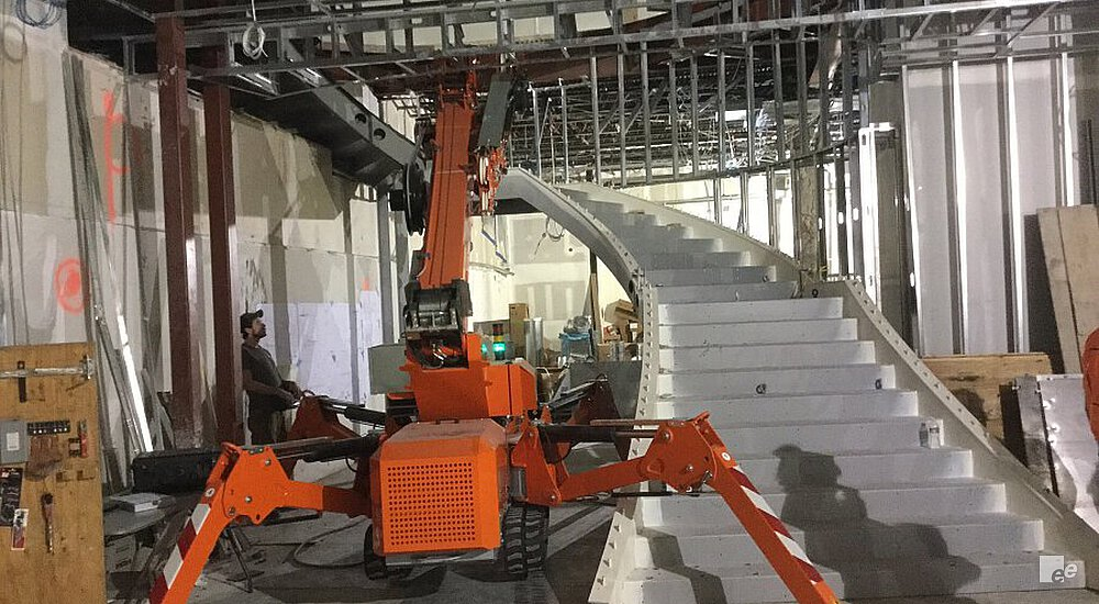 Assembly of a metal staircase