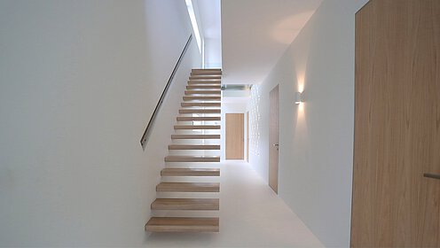 Floating stairs floating steps cantilevered stairs for Weekamp dedemsvaart