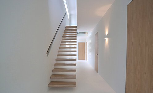 Sleek floating stairs